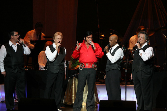 Rory Allen in concert with the Imperials  Photo credit: Ken Jones