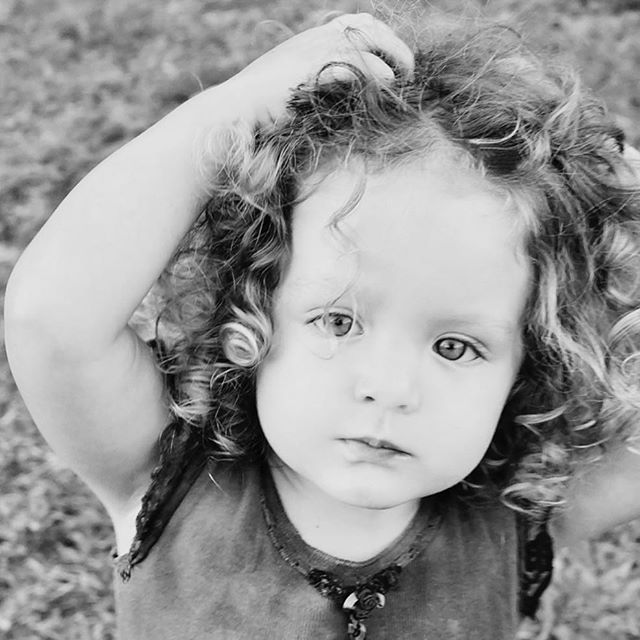 Curls, curls, curls ❤️️ . . #angielouphotography #kidsphotographer #curlyhairstyles #curl #curls #curly #riglets #sweet #pretty #bandw #children #kids #photo #childrensphotoshoot #familyphotoshoot #localbusiness #sydneynorthernbeaches