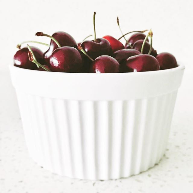 Mmmm cherries 🍒 No one was allowed to eat any until I photographed them 😂 . #angielouphotography #cherries #yum #cherry #red #white #minimal #season #seasonal #eat #cherryseason #christmas #kitchen #kitchencounter #photographer #photography #foodphotography
