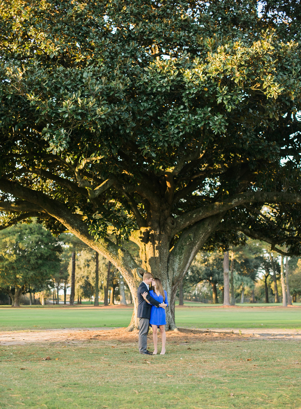savannah-forsythpark-engagement-session