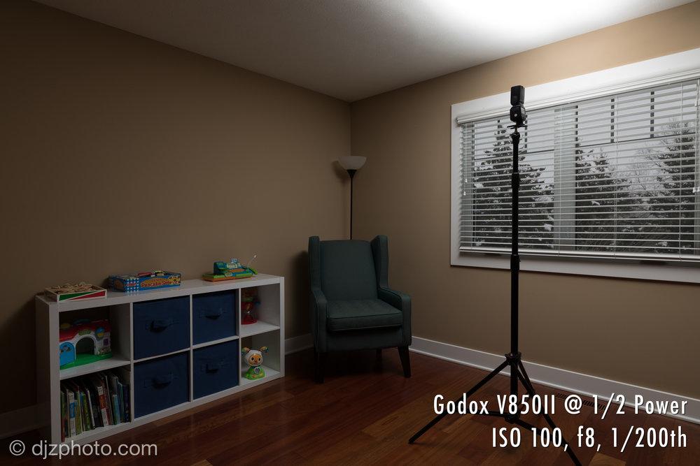 Godox V850II / Flashpoint Zoom Li-on R2