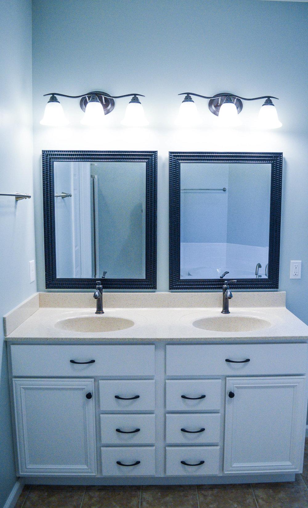 Bathrooms - Cincinnati Ohio Bath Re-Model — Cincinnati Custom Homes ...