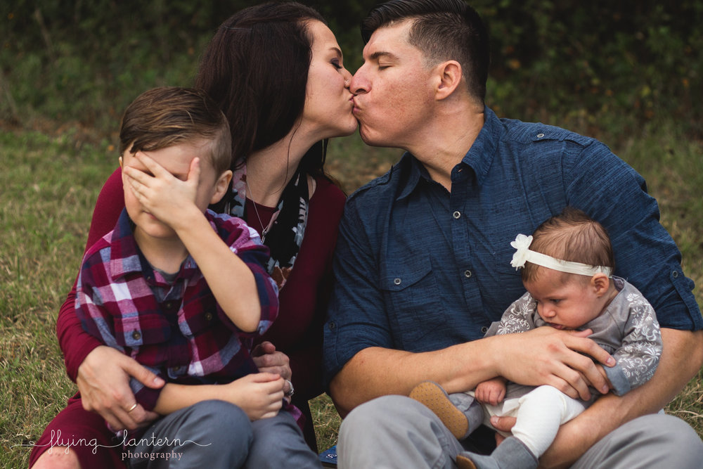 family lifestyle session with five year old and newborn at brushy creek lake park in austin, texas by erin reas of flying lantern photography