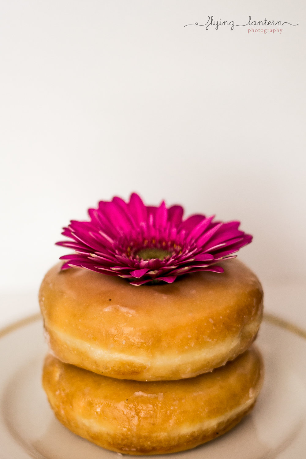 food photography donuts product lifestyle photography in austin, texas by erin reas of flying lantern photography
