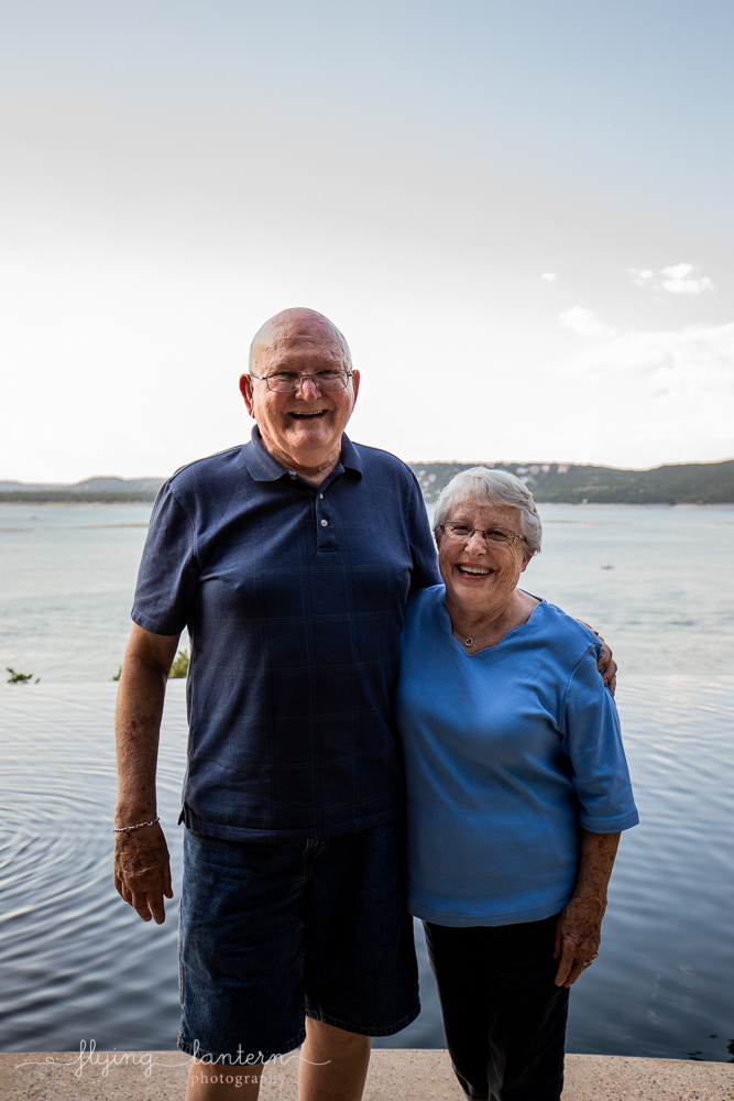 Extended family session on Lake Travis during family reunion. husband and wife celebrating 60 years of marriage. Photo by Erin Reas of Flying Lantern Photography