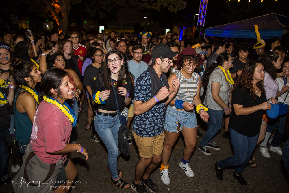 Hillfest 2018 at st. edward's university. students dancing. event photography by erin reas of flying lantern photography