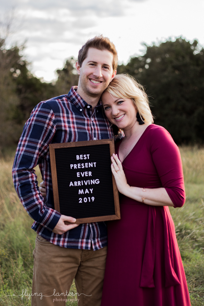 couples portrait pregnancy announcement in austin texas. photo by erin reas of flying lantern photography
