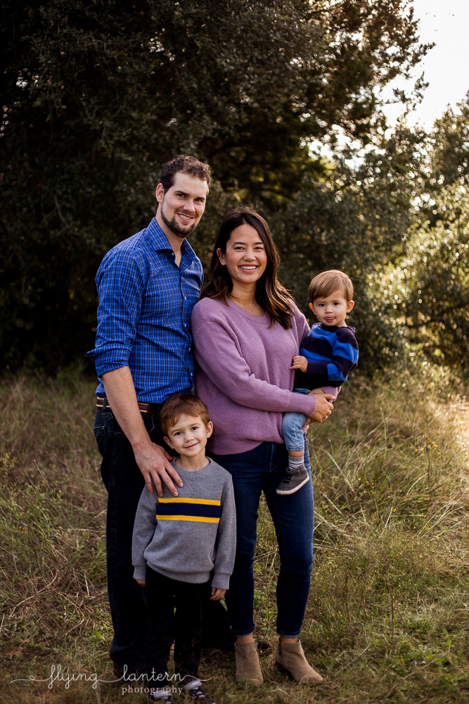 family portrait session for christmas cards. photo by erin reas of flying lantern photography based in austin, tx