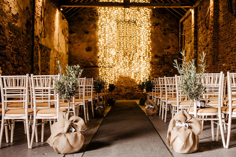 The Normans Ceremony Barn Photo by www.esmemai.com