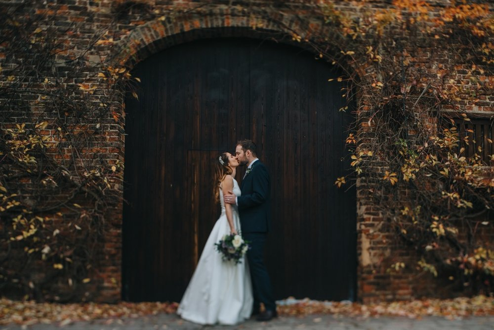 A kiss in the archway.jpg
