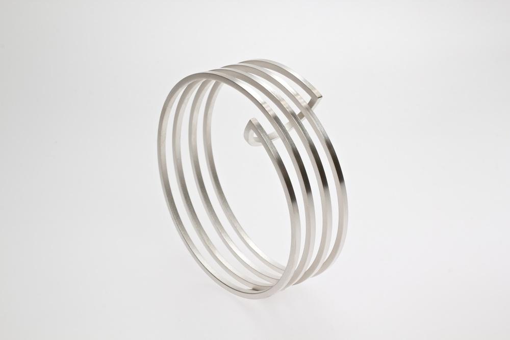 Helix 3 in zilver.jpg