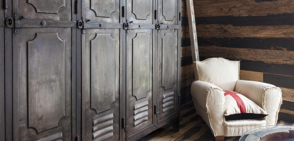 lockers_sofa.jpg