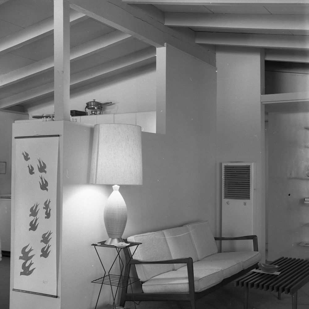 California_Mid-Century_Modern_Home_with_open-beam_ceiling_1960.jpg