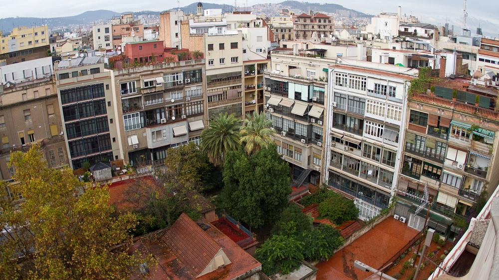 2011Nov19-5192-Barcelona-StreetsFromCasaMila.jpg