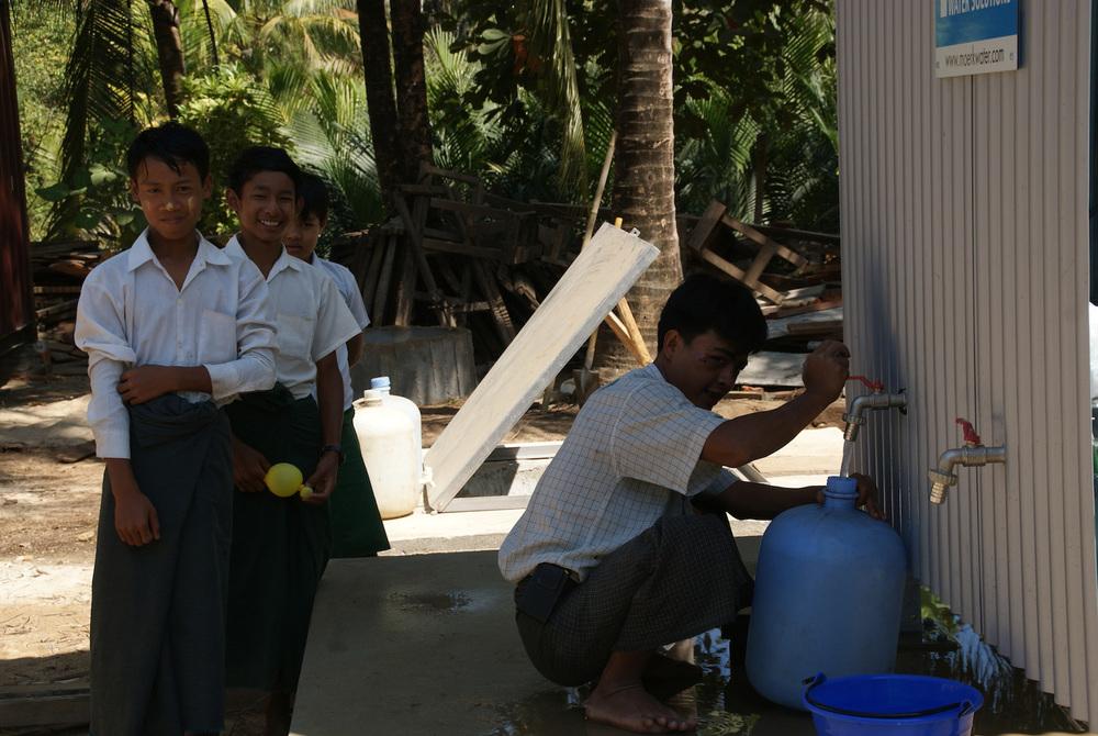 Copy of Copy of Copy of Moerk brings fresh water to Myanmar