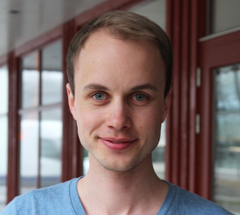 Dette er Torkild Vederhus. Han har ledet arbeidet med nytt program for MDG i Oslo. Det er landsmøtet som avholdes neste år som endelig vedtar hva MDG går til valg på.