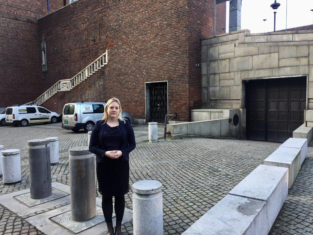 Aina Stenersen fronter Frp i Oslo, sammen med Carl I. Hagen.