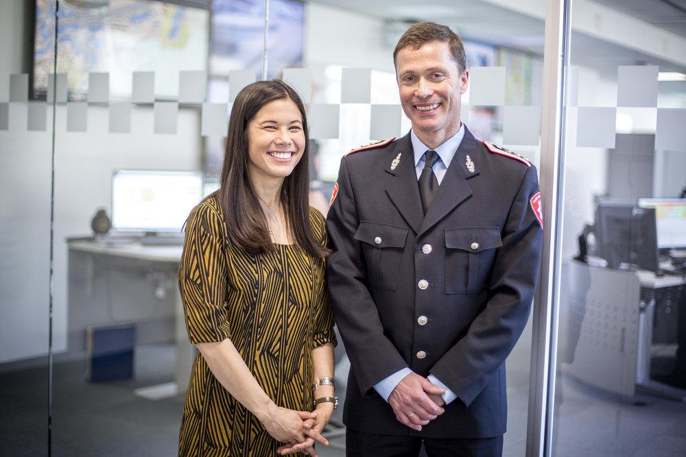 Samferdselsbyråd Lan Marie Berg og brannsjef Jon Myroldhaug. Foto fra mars 2017.