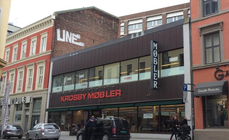 Alle nye Legendariske Krosby Møbler flytter - orker ikke Oslo sentrum mer HN-98
