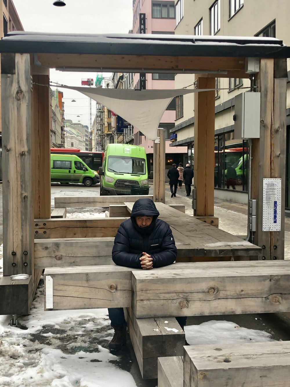 SUKSESS-REDAKSJON: Jarle Aabø studerer de nye lesertallene på utekontoret.
