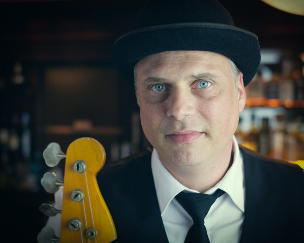 Thom Wettstein - Bass