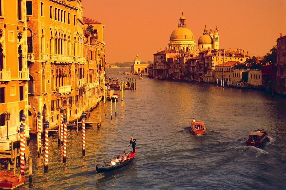 Venice-golden-1024x682.jpg