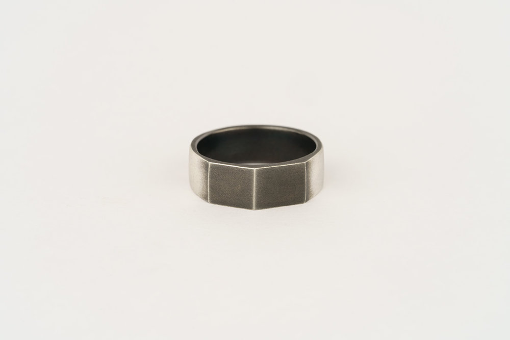 Silver / partially oxidised faceted ring