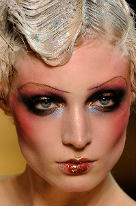 john-galliano-spring-2011-beauty-03.jpg