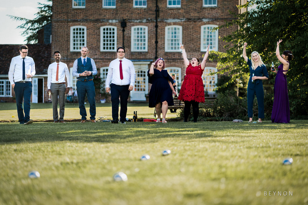 Wedding guests play French Bowls
