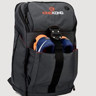 """66f7f34f37da It doesn t scream """"CrossFit bag!"""" It s a very nice looking bag that you  could use for CrossFit"""