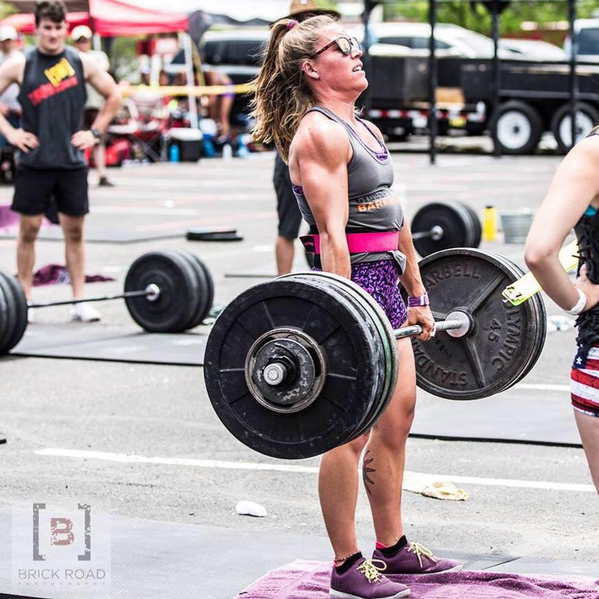 Tori Alemany took the 8th spot in last year's women's pro division. She comes in as the favorite in 2017 after posting a top 100 ranking in the CrossFit Open.
