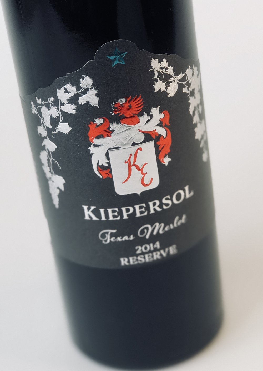 14_ke_merlot_reserve_photo_angle.jpg