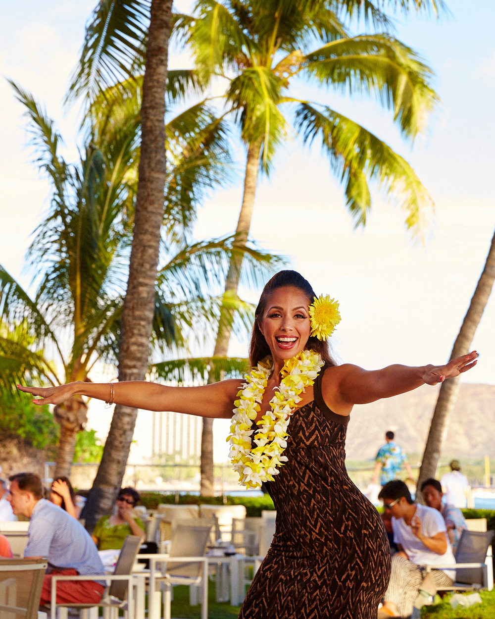 FORMER MISS HAWAII AT HOUSE WITHOUT A KEY
