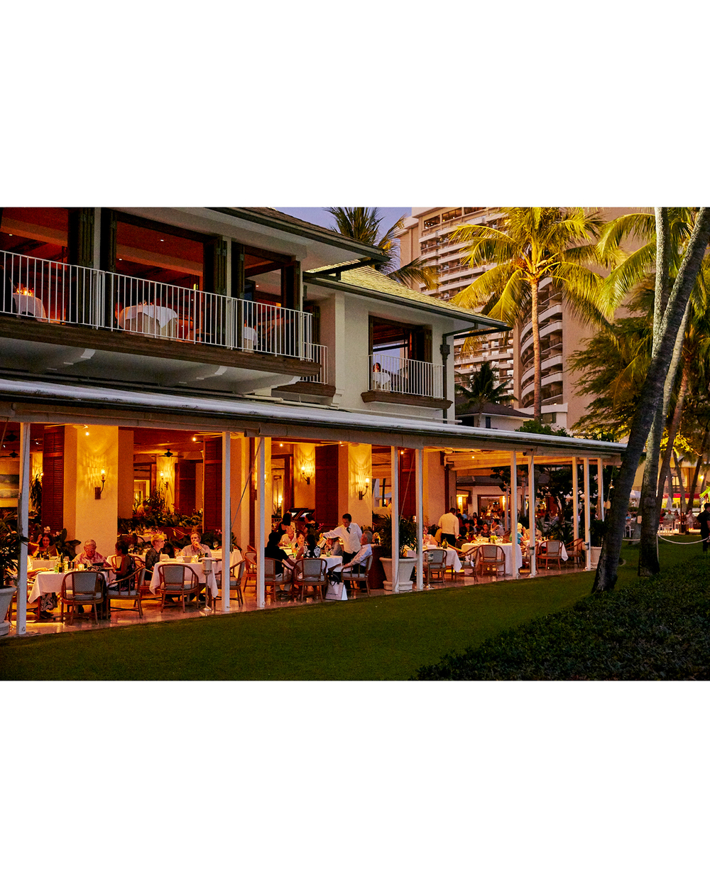 DINING AT ORCHIDS RESTAURANT AT HALEKULANI