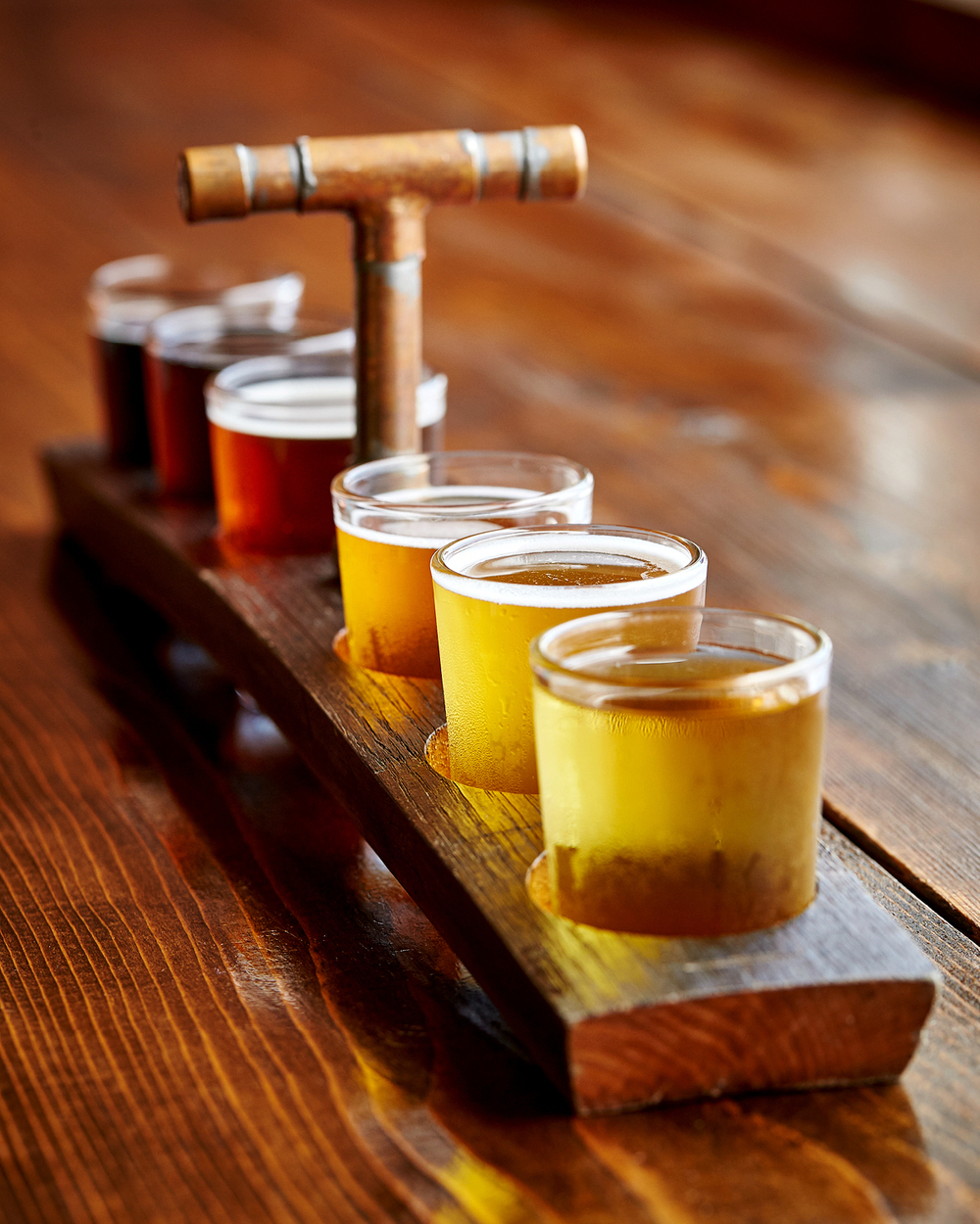 FLIGHT OF CRAFT BEER AT HONOLULU BEERWORKS