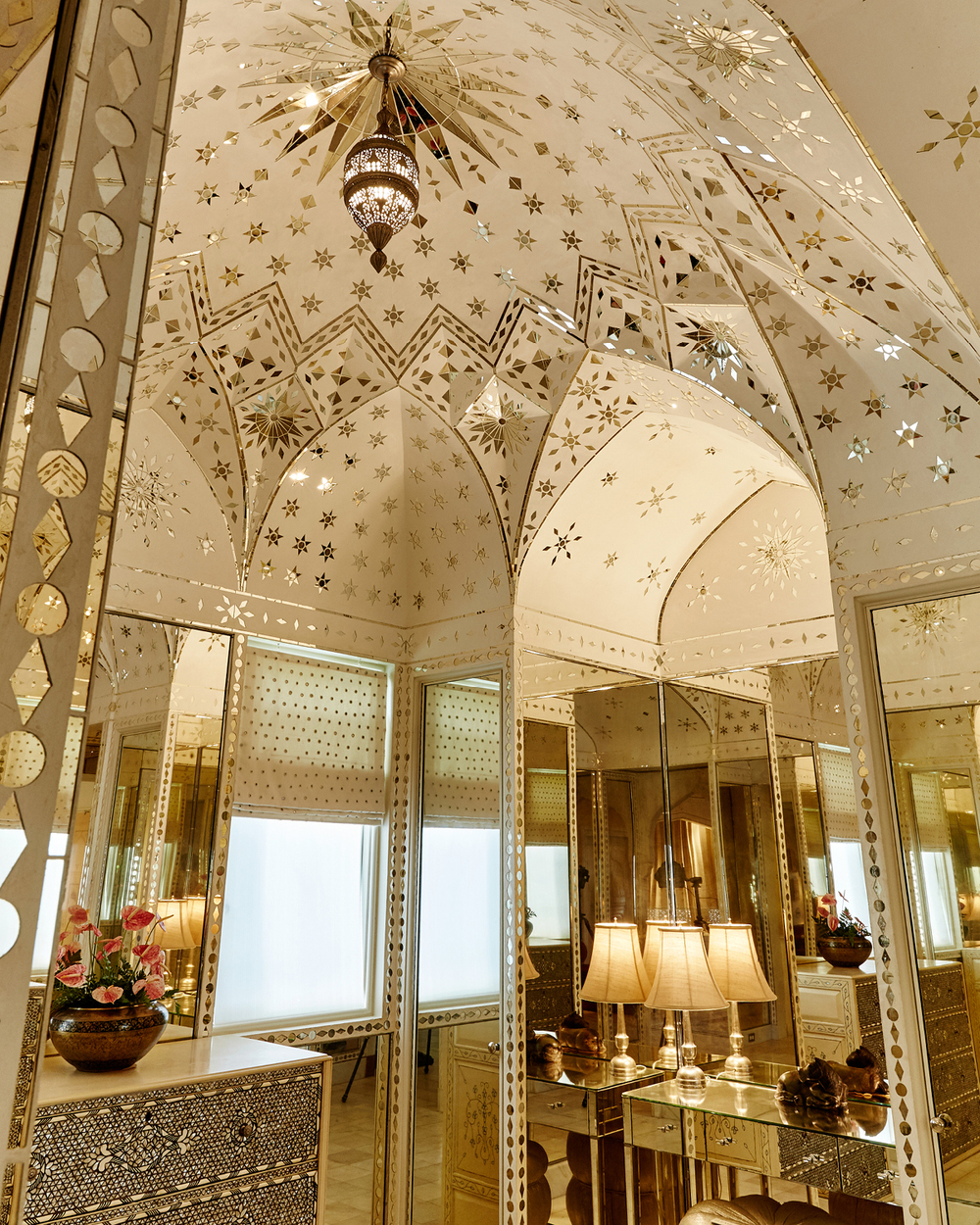 VANITY ROOM AT SHANGRI LA