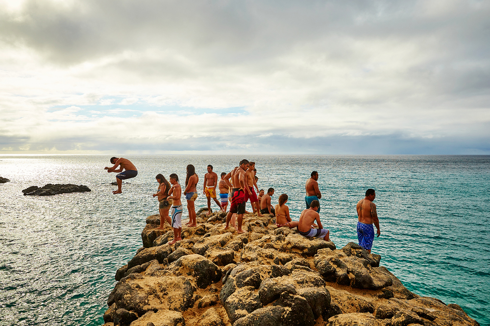 CLIFF JUMPING AT WAIMEA BAY BEACH PARK