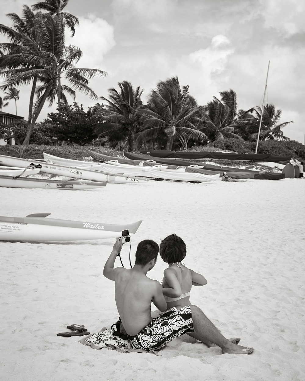 TAKING A SELFIE AT LANIKAI BEACH