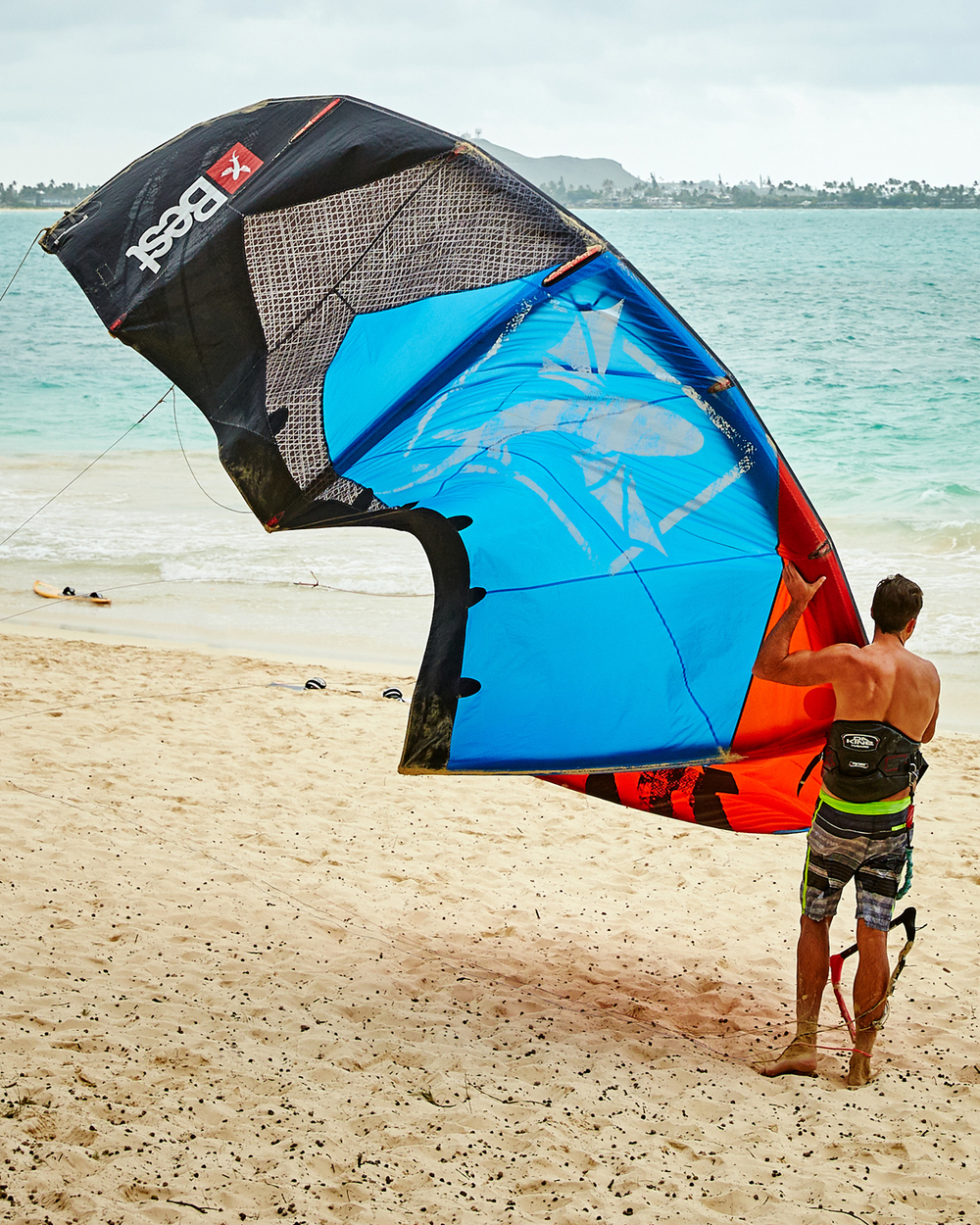 KITEBOARDER AT KAILUA BEACH PARK