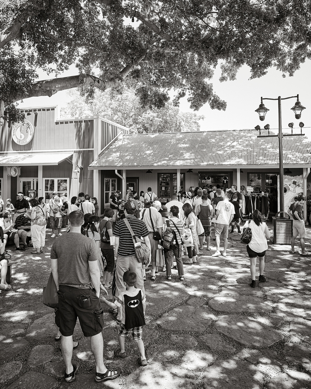 WAITING FOR THE BEST HAWAIIAN SHAVE ICE AT MATSUMOTO'S