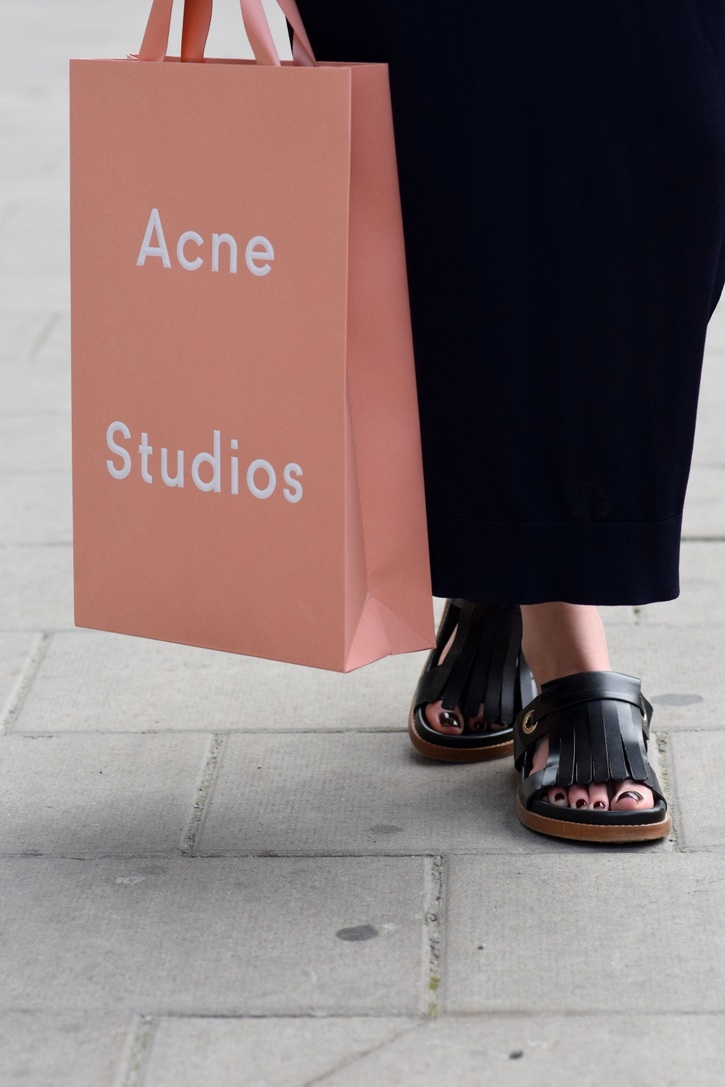 Acne Studios shopping bag with Whistles slip on sandals