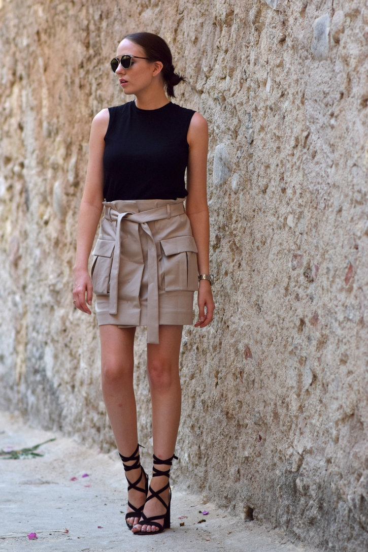 Utility Skirt with big outer pockets