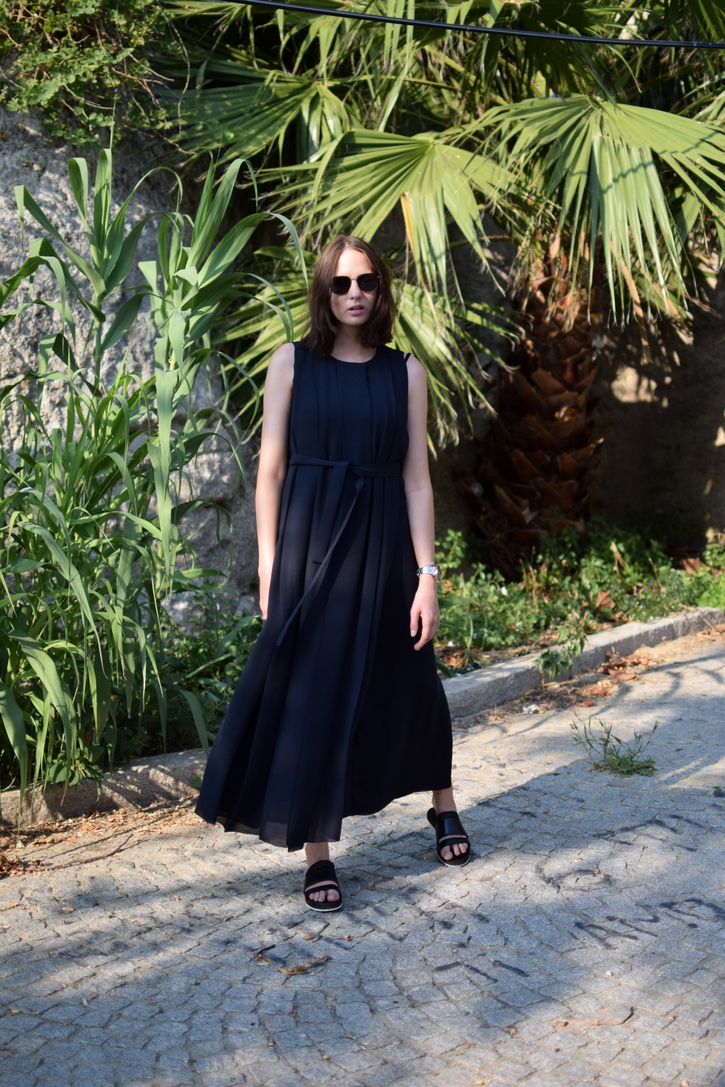 Long navy blue pleated maxi dress