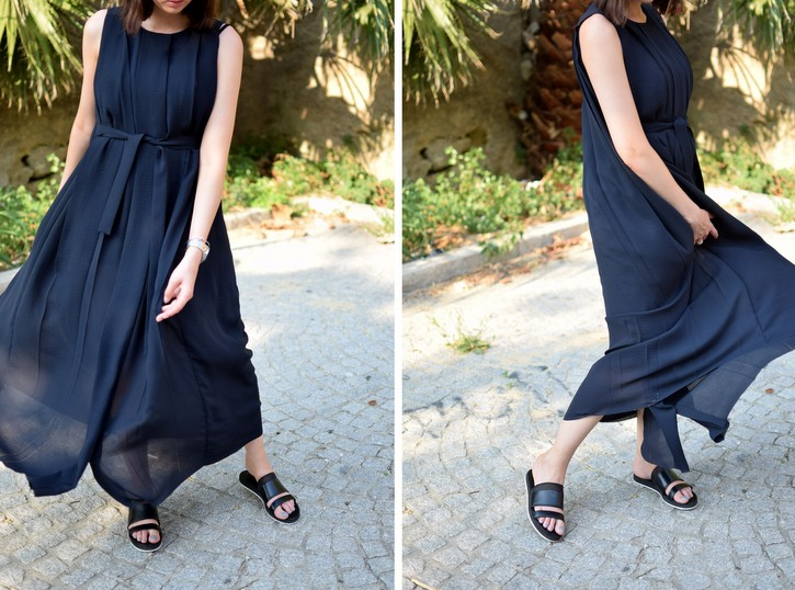 Flowing maxi dress with pleats