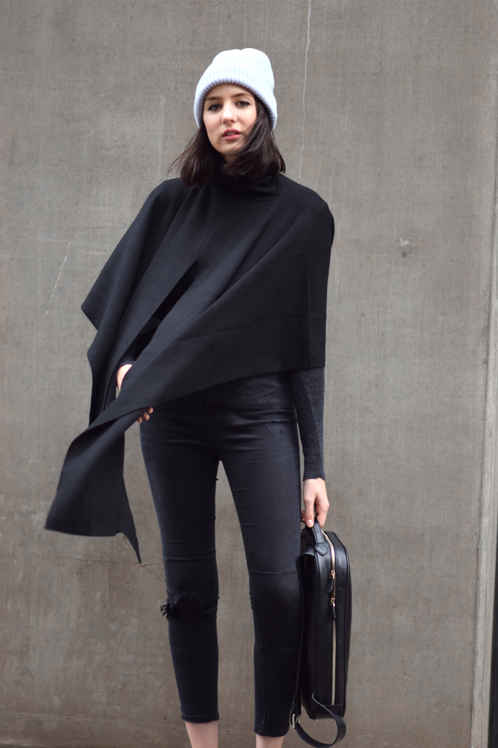 minimal outfit fashion blogger shot from the street
