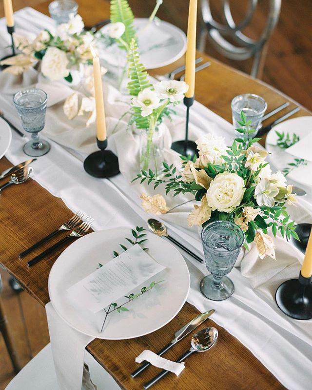 Happy Thanksgiving, Friends! 📷 @whenhefoundher  #thanksgiving #tablescape #weddingplanner #niagara #niagaraweddingplanner #niagaraweddings #thankful