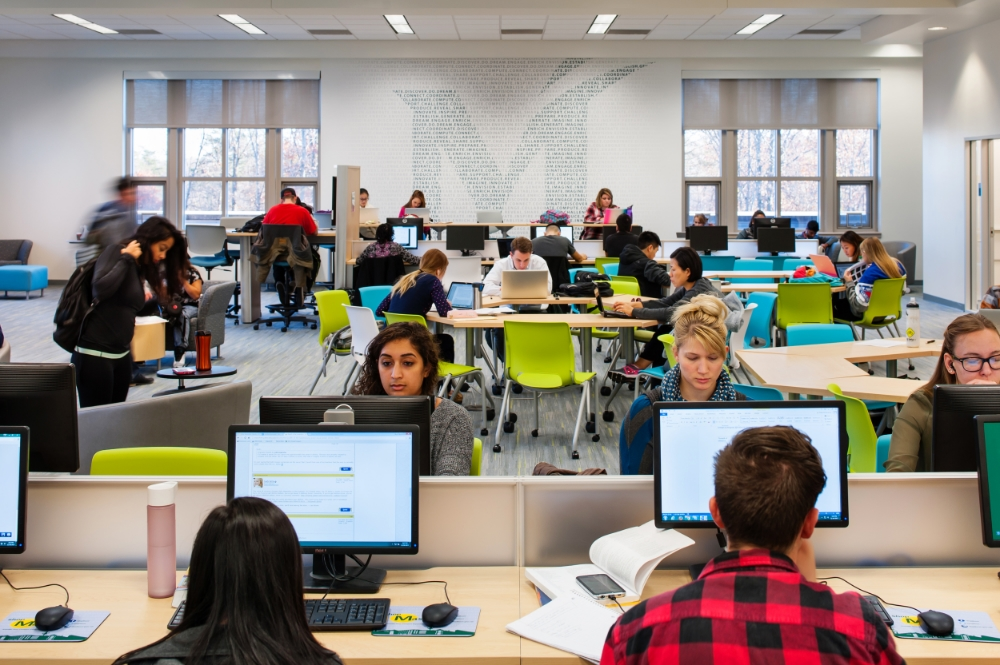 The new commons area offers a limited number of fixed computer stations, while providing a great variety of alternative spaces for study.