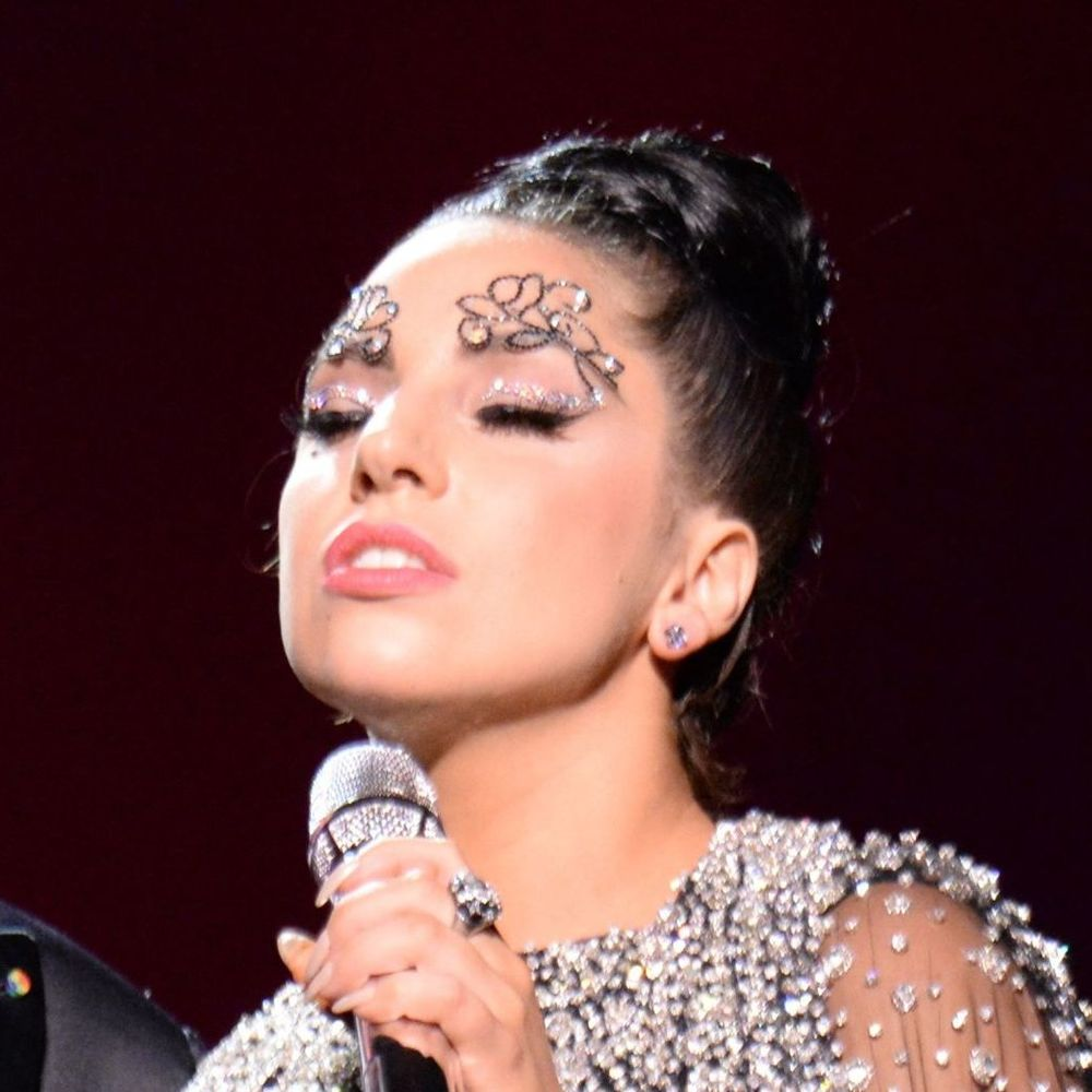 grammys brows gaga 2.jpg