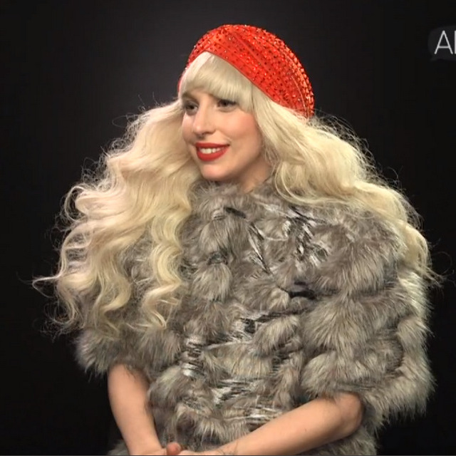 LADY GAGA TURBAN RED.jpg.jpg