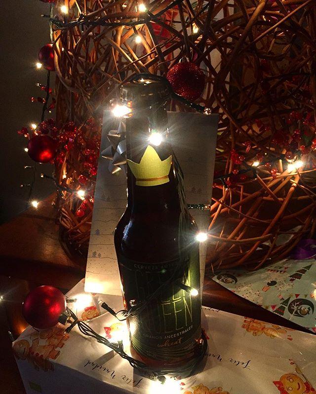 Felices fiestas para todos !!!#feliznavidad #merrychristmas 🎄🎁🍻 #greenqueen #alforfon #glutenfree #beer